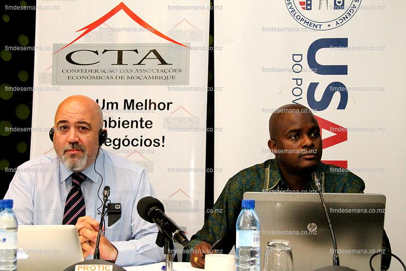 Mesa que presidiu o seminário de apresentação do Estudo sobre Inspecção Pré Embarque em Moçambique