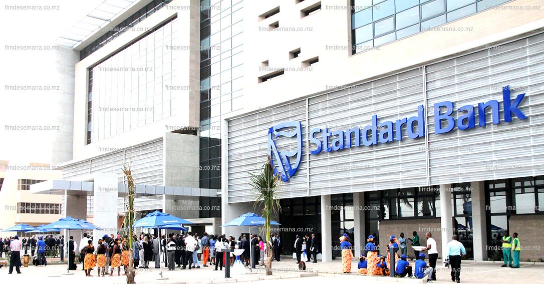 Nova sede do Standard Bank inaugurada pelo PR Armando Emilio Guebuza