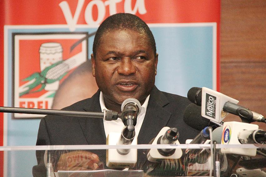 Filipe Nyusi - candidato a Presidencia da Republica intervindo no encontro com empresarios nacionais