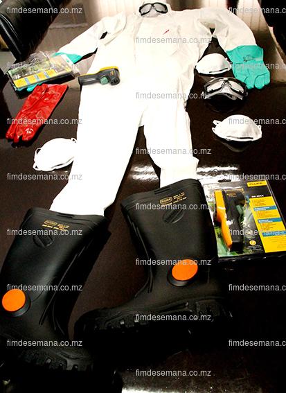 Parte do material de prevenção e combate ao virus da Ébola