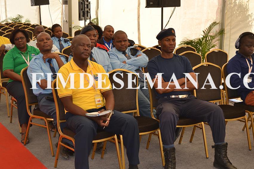 Parte dos participantes ao seminário promovido pela Autoridade Tributaria na FACIM