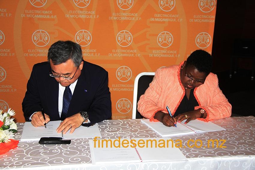 Assinatura do contrato de consultoria