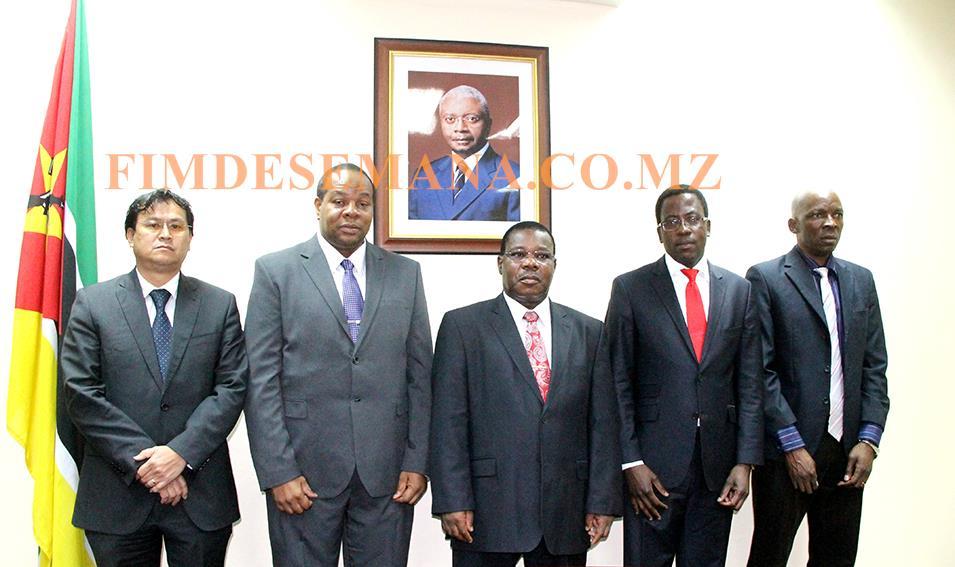 Foto em familia dos novos Administradores empossados