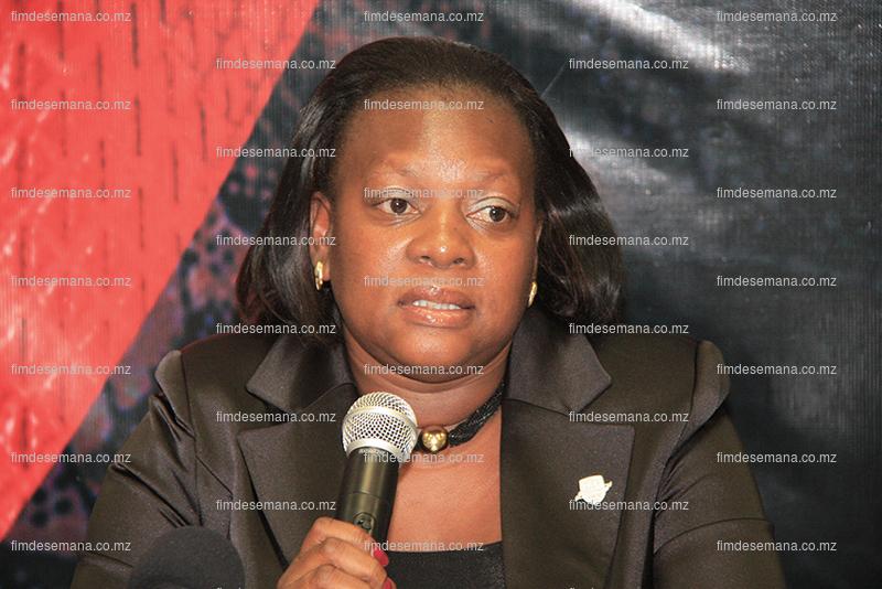 Albertina Mate - representante do Standard Bank