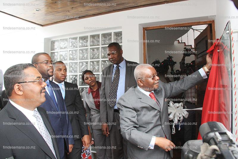 Descerramento da placa da nova sede da CTA pelo Presidente da República Armando Guebuza