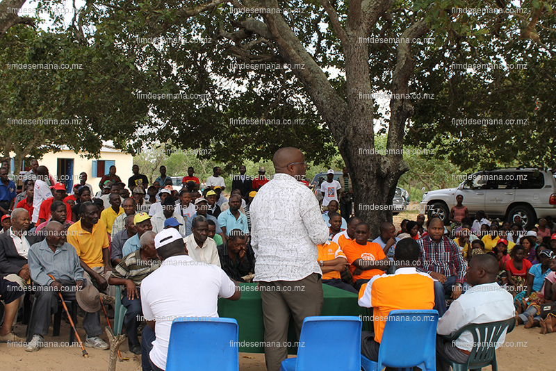 Encontro entre o edil da Matola - residentes dos bairros em expansão e representantes da EDM