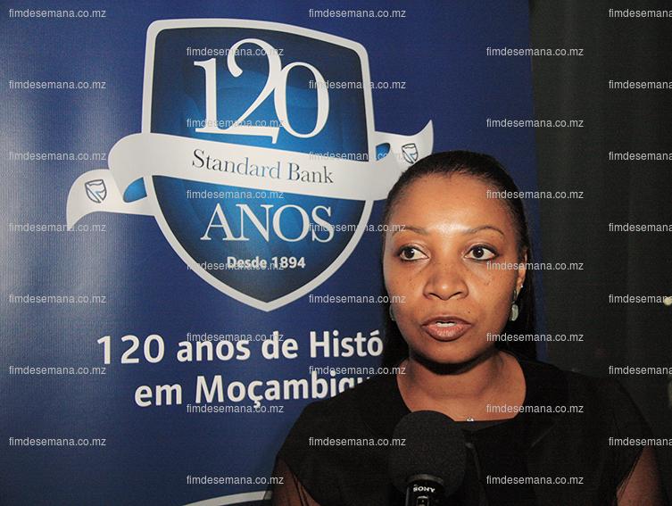 Helia Campos - Directora de Recursos Humanos do Standard bank