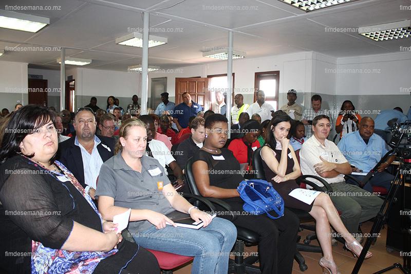 Parte dos participantes ao encontro de auscultação sobre a Terminal Rodoviária do Km4