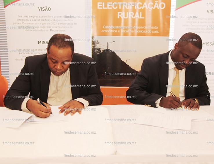 Assinatura do contrato de concessão de gás entre EDM e ENH