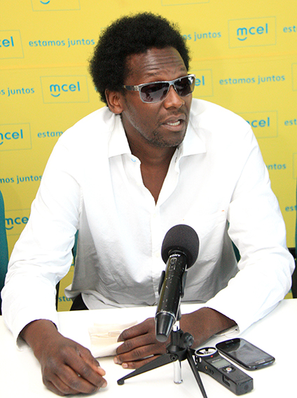 Cremildo de Caifaz - músico moçambicano