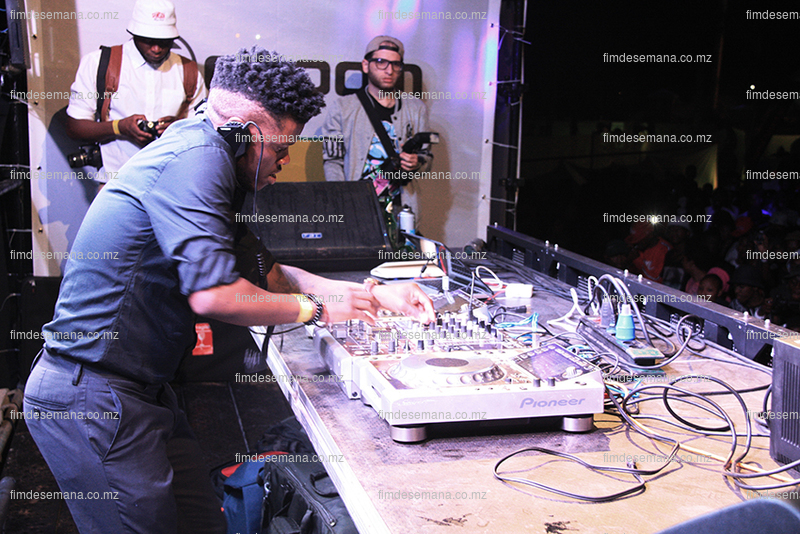 Dj Black Motion na Festa da Gloom