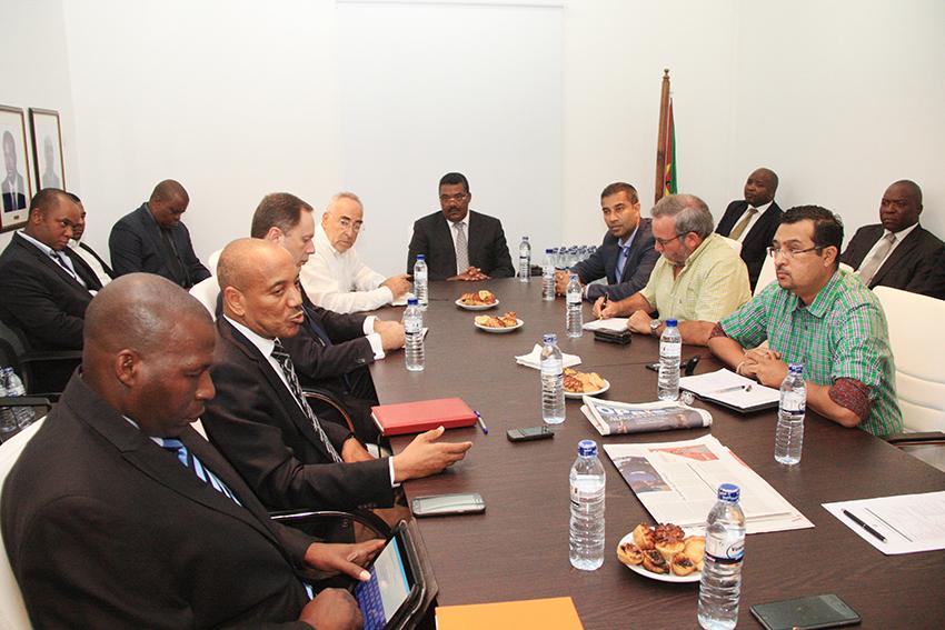 Membros da CTA durante encontro sobre criação do Fundo de Responsabilidade Social da CTA