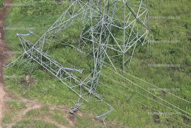 Torre de alta tensão derrubada pelas chuvas em Mocuba
