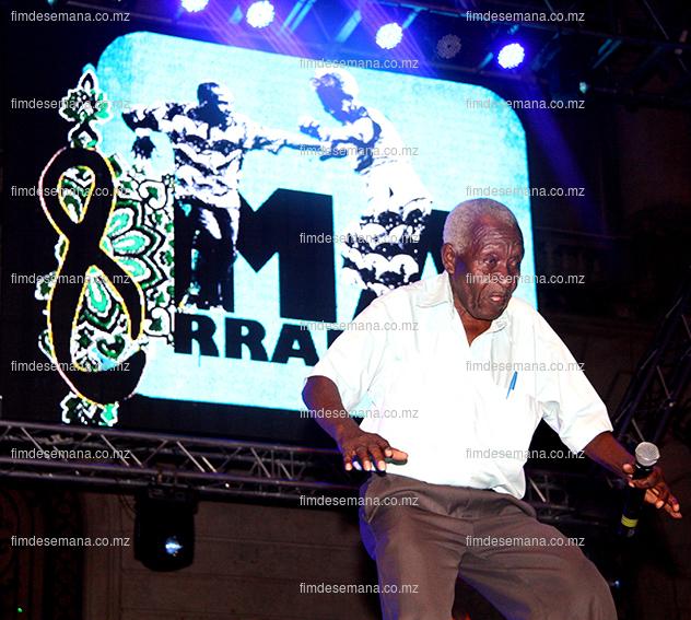 Dilon Djindje - em concerto no festival da Marrrabenta