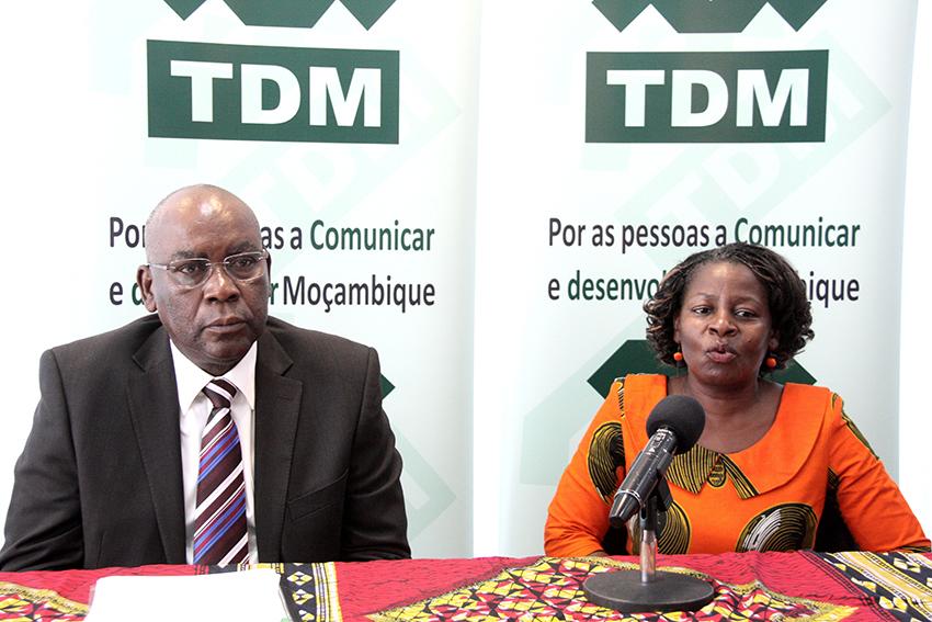 Mesa que presidiu  o lançamento da XIIIª edição da Bienal TDM