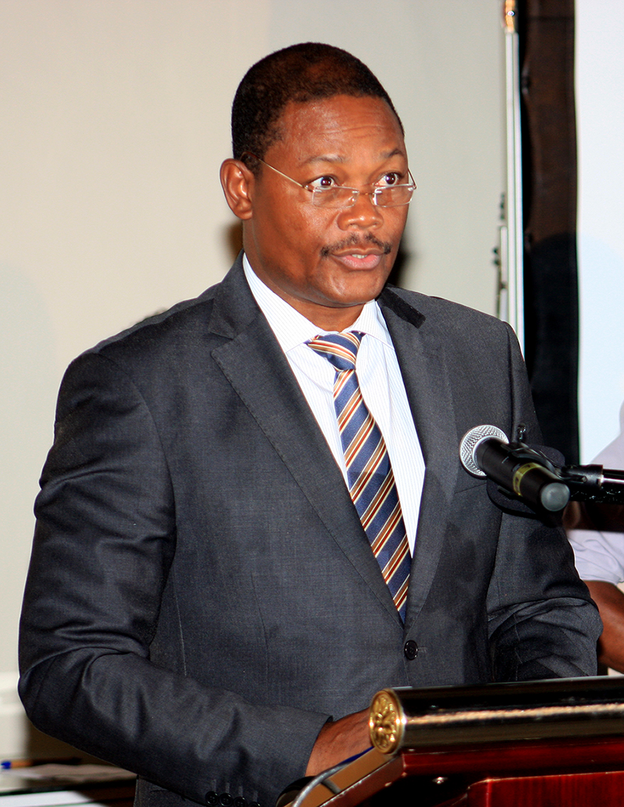 Agostinho Mondlane -  Ministro do Mar Aguas Interiores e Pescas