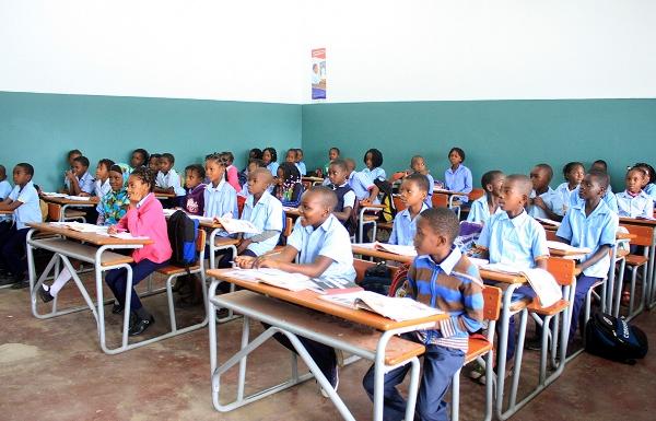 Alunos da Escola Primária Completa 25 de Junho 2
