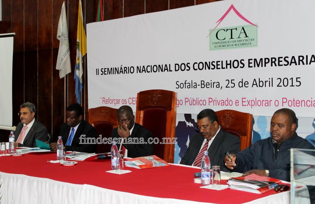 Mesa que dirigiu a sessão de abertura do II Seminário Nacional dos CEPs 1024x663
