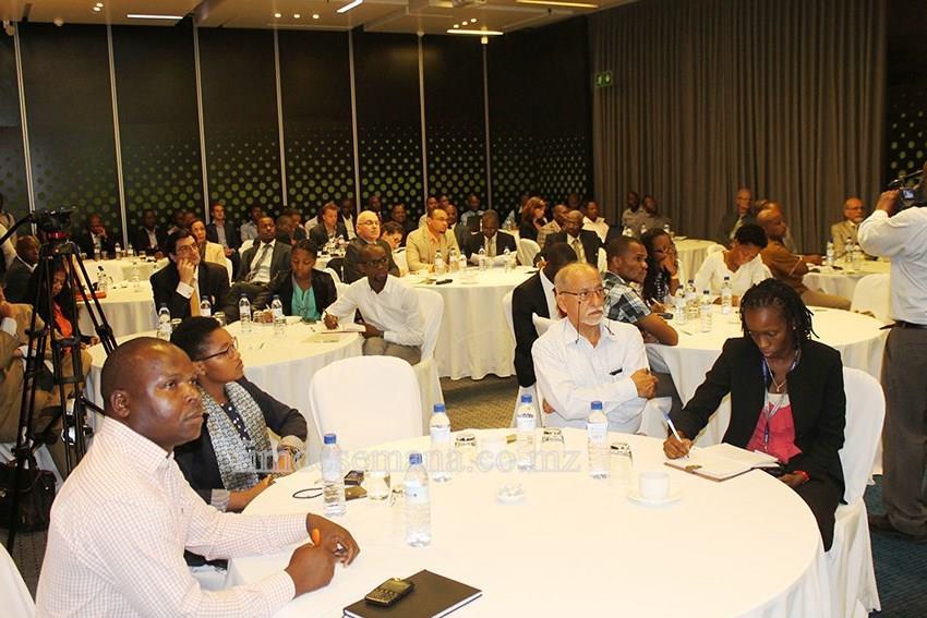 Participantes do debate sobre a restruturação e revitalização da cabotagem marítima em Moçambique