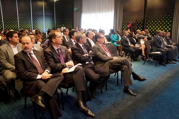 Participantes do fórum de negócios