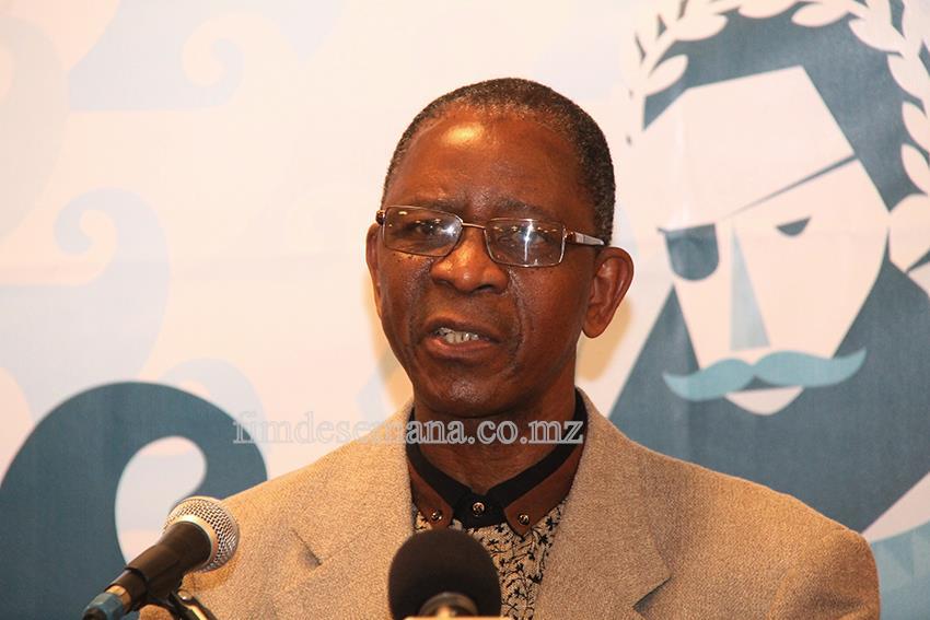 Aldino Muianga - autor do livro