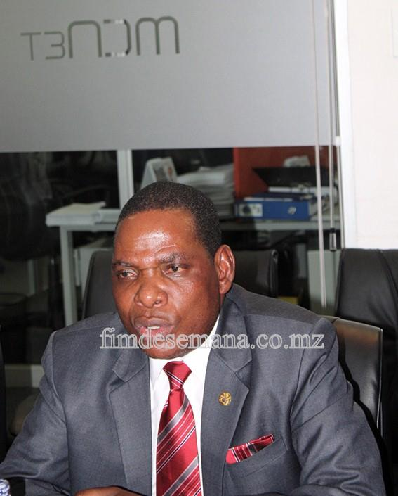 Joseph Mwanamvekha - Ministro da Indústria e Comércio do Malawi