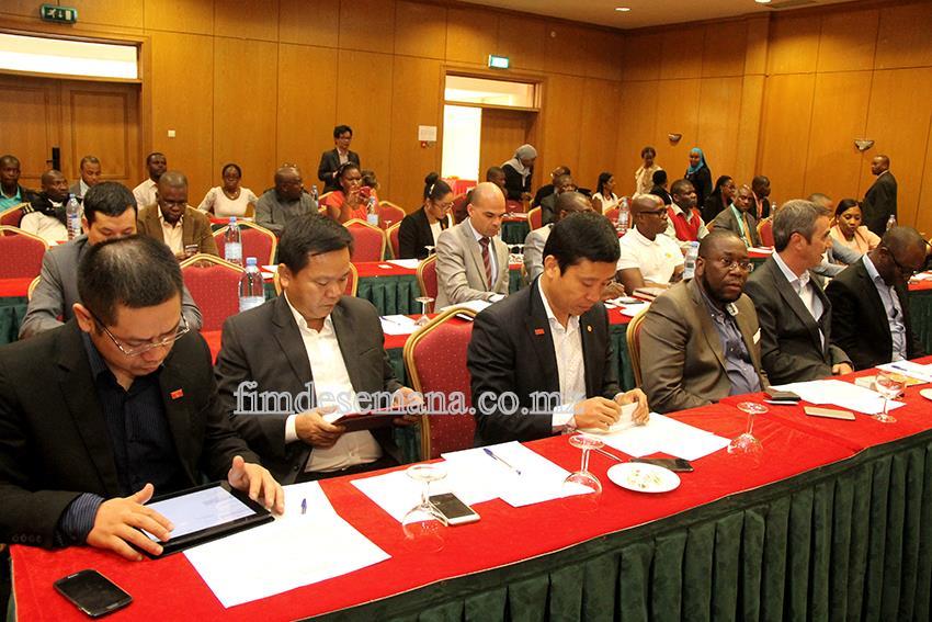 Participantes-no-Fórum-de-Negócios-Vietname-Moçambique-fds-fimdesemana-agencia-de-comunicacao-mocambique