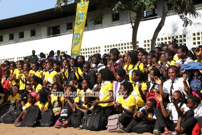 Crianças da Escola Primária Completa Unidade 2 - no lançamento do Projecto Grito da Criança 1