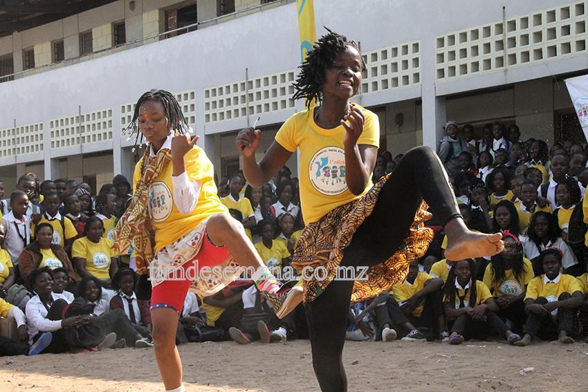 Momento cultural durante o lançamento do projecto Grito da Criança