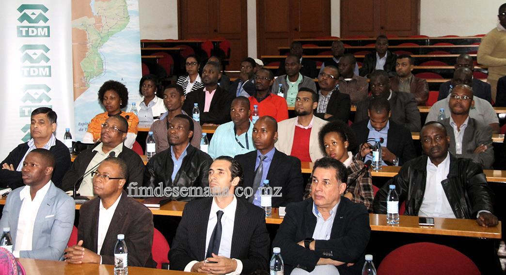 Participantes na Conferência Internacional da AICEP