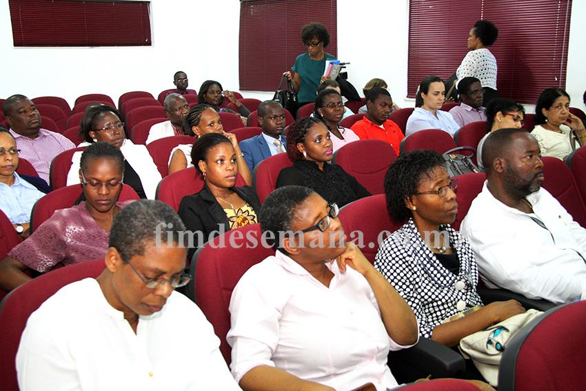 Participantes na palestra sobre o papel da Corporate Governance no Desempenho das Empresas do Estado