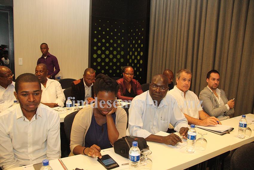 Participantes no seminário sobre código IVA na agricultura