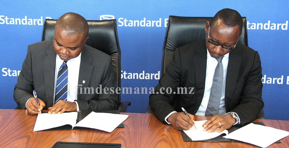 Acto de Assinatura do Memorando de Entendimento entre Standard Bank e S Live