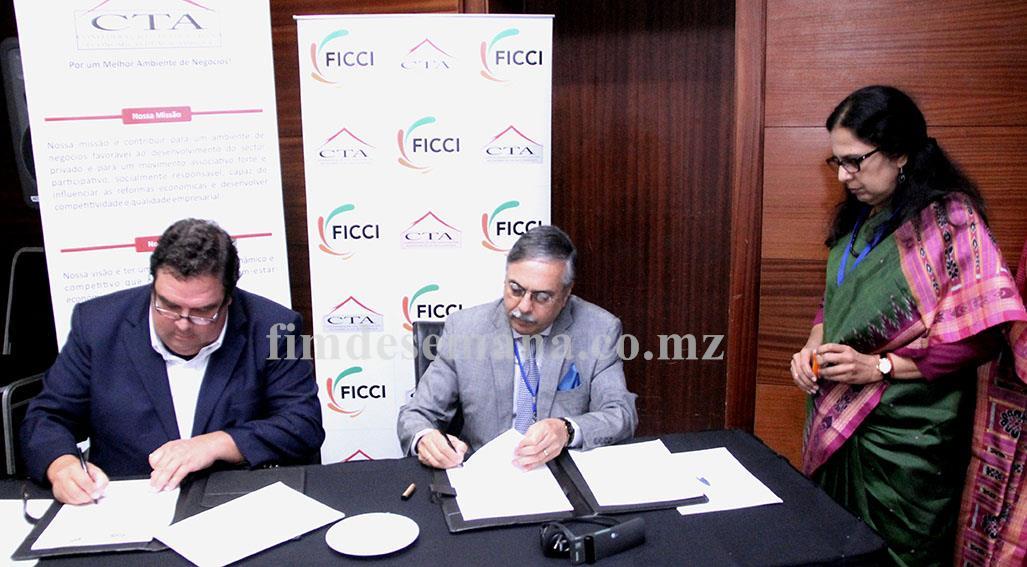 Assinatura do memorando de entendimento entre a Federação das Câmaras Indianas de Comércio e Indústria e a CTA