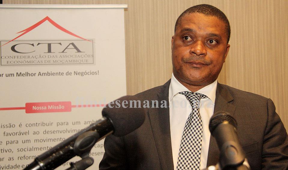 Ernesto Tonela Ministro da Indústria e Comércio