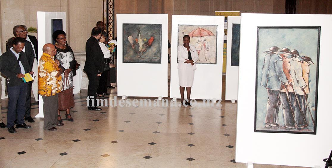 Exposição de artes plásticas da autoria de Kheto Lualuali