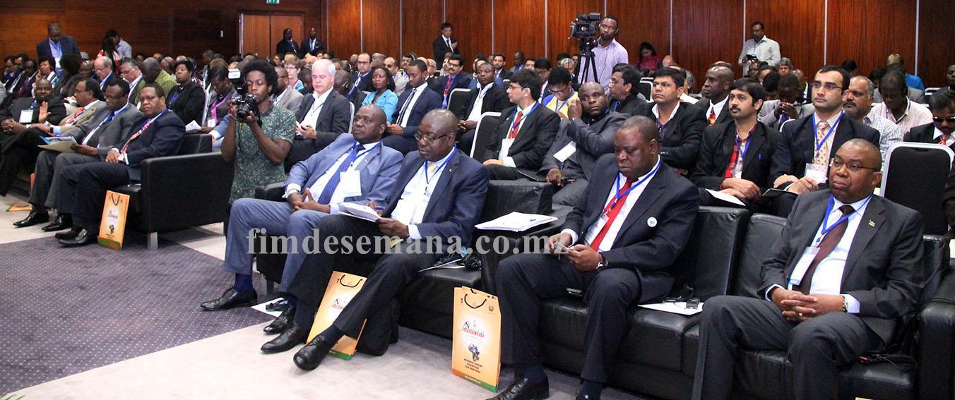 Participantes no Fórum de Negócios India África Austral