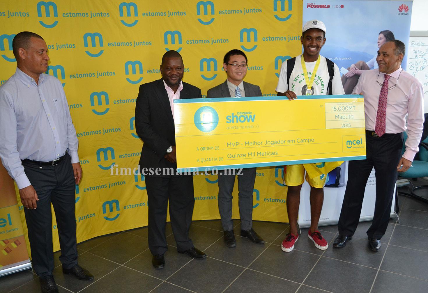 Premiação do melhor jogador do Básquete Show 2015 Maputo