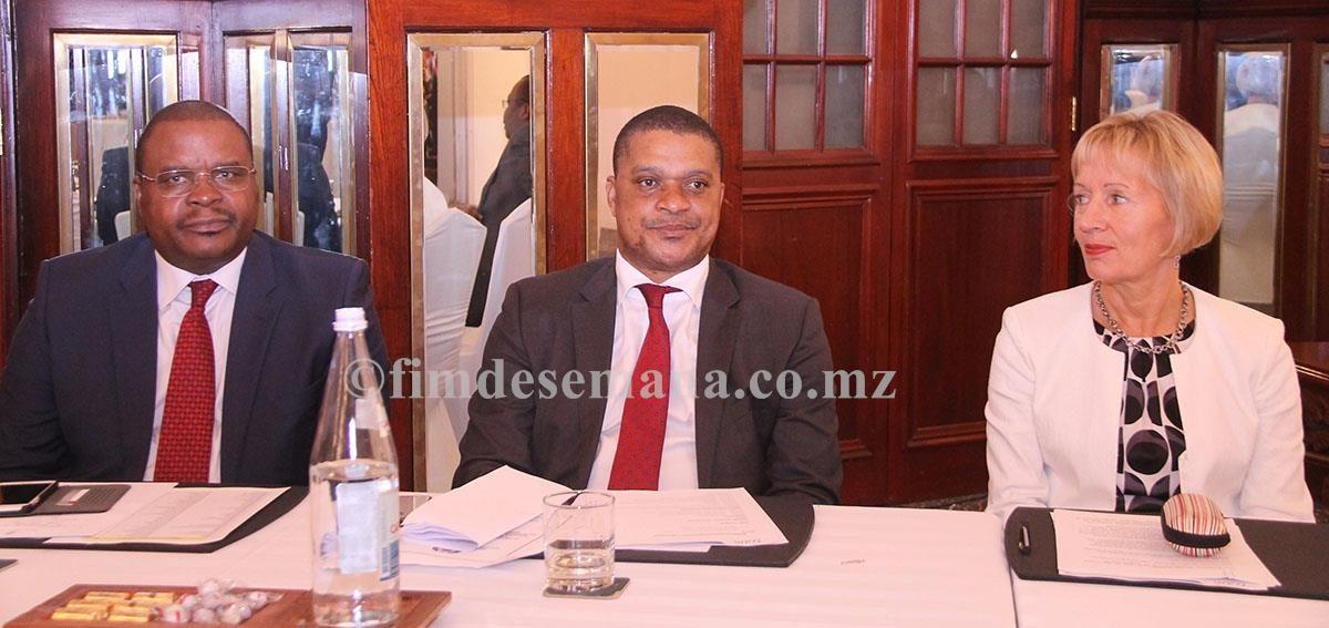 Mesa que presidiu o Seminário de Negócios entre Moçambique e Finlândia