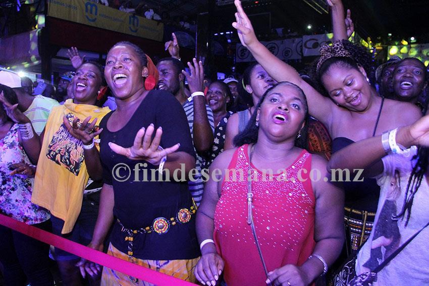 Público presente no show de lançamento do novo álbum da banda Ghorwane