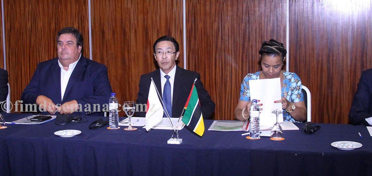 Mesa que presidiu a Conferência Público Privada para Infra estrutura de Alta Qualidade