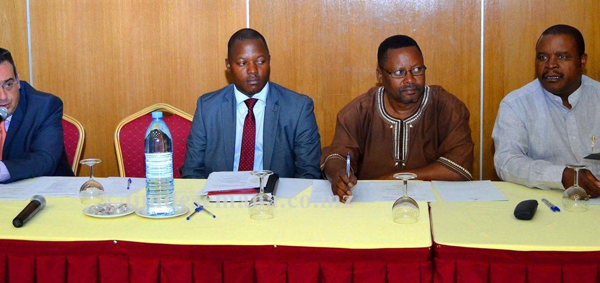 Mesa que presidiu o workshop de apresentação do Pacto de Integridade de Negócios Contra a Corrupção