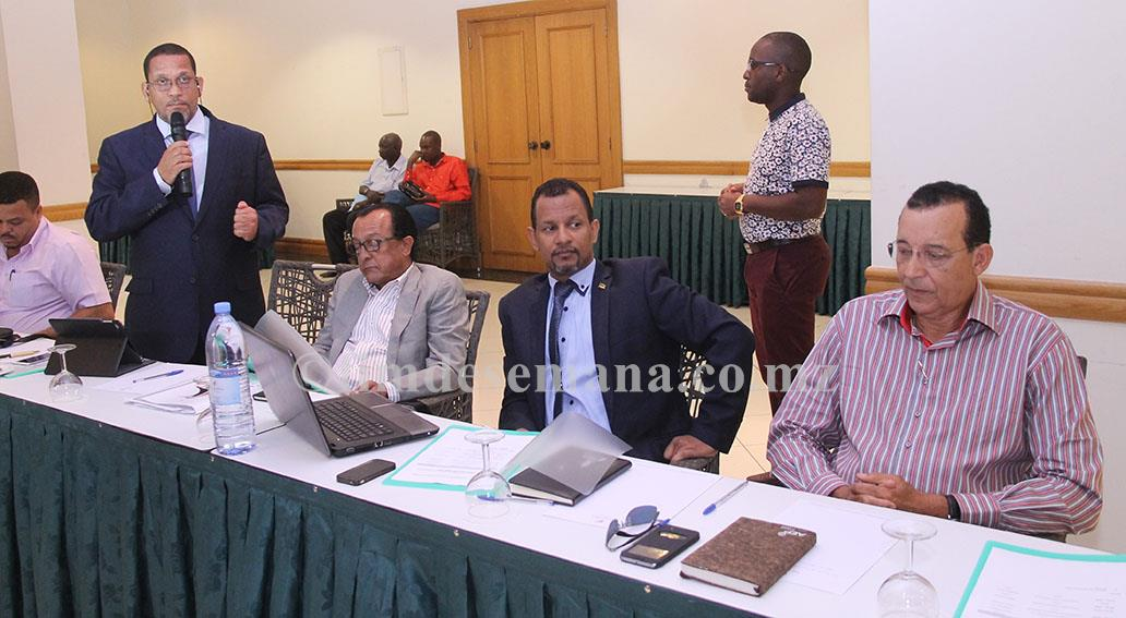 Participantes na reunião do Conselho Directivo da CTA com os presidentes dos CEPs