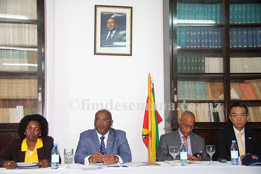 Mesa que presidiu as cerimónias alusivas ao Dia Mundial de Meteorologia