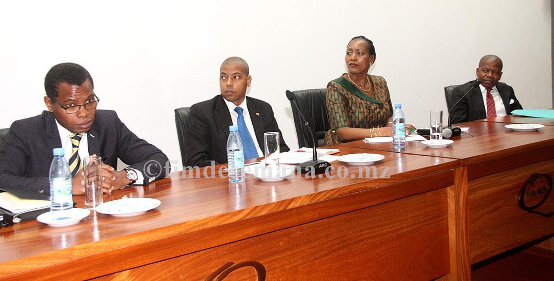 Mesa que presidiu o seminário alusivo ao 23º aniversário do INNOQ