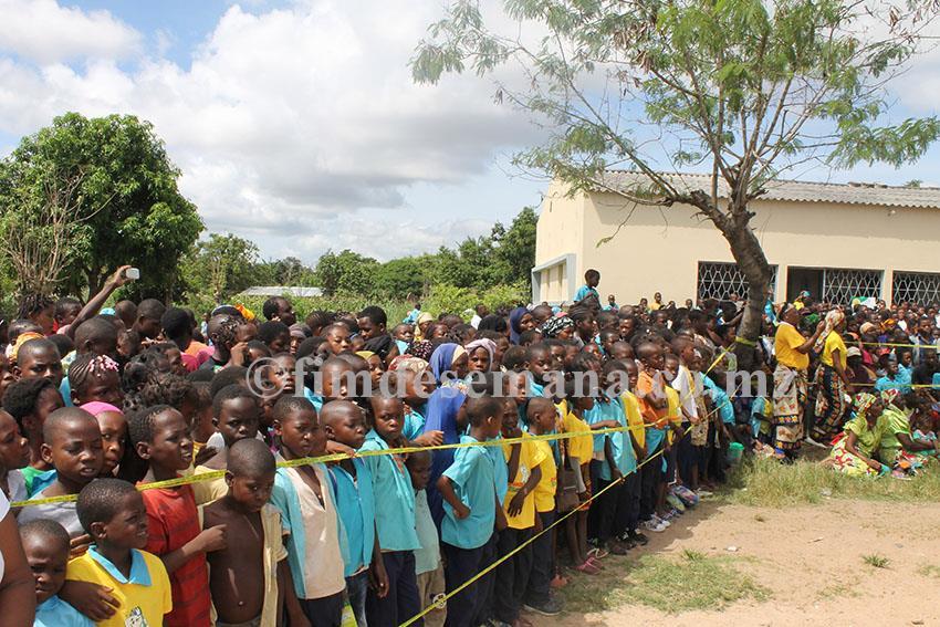 Participantes no lançamento da Campanha Nacional de Saúde Oral nas Escolas