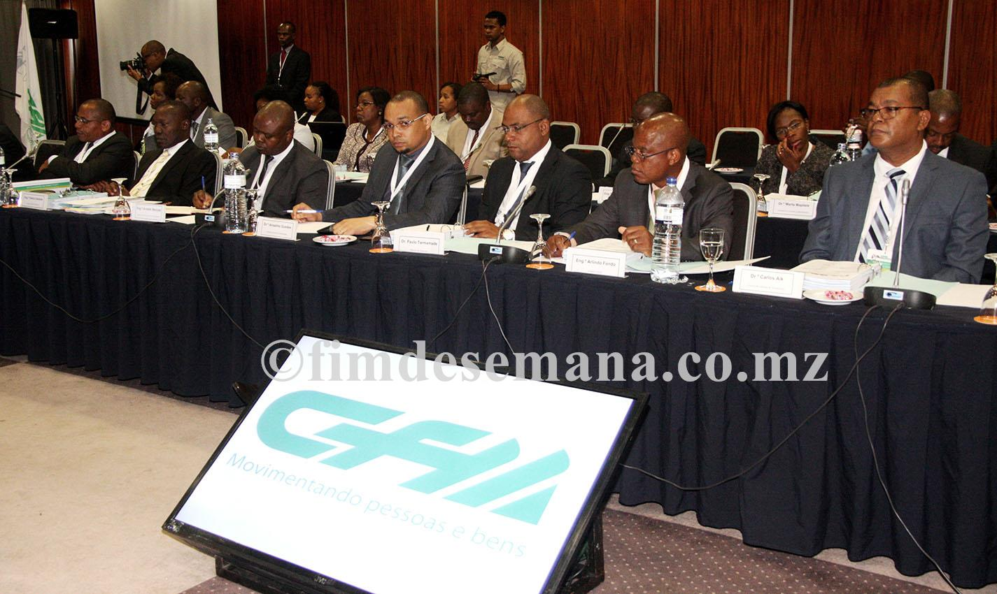 Participantes no XX Conselho de Directores da empresa CFM
