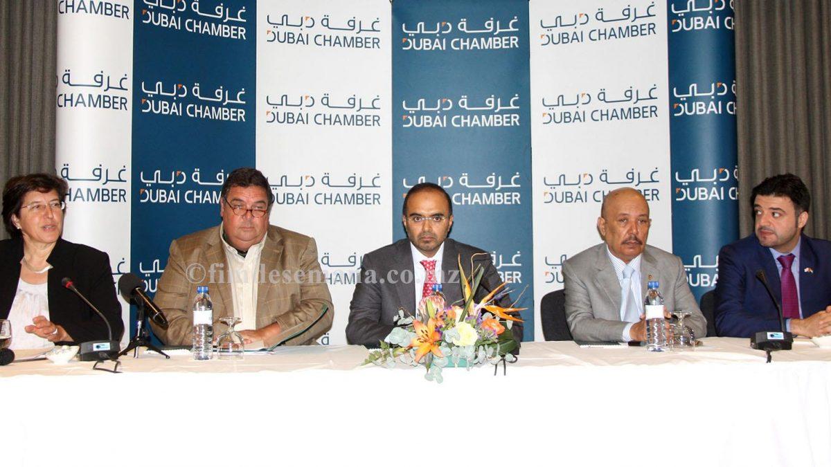 Mesa que presidiu o Fórum de Negócios Moçambique Dubai