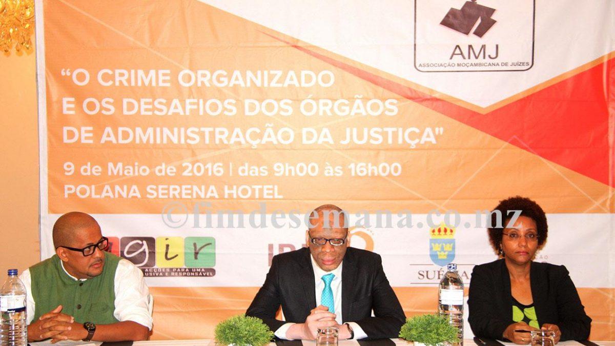 Mesa que presidiu o Seminário sobre Crime Organizado os desafios dos orgãos de administração da Justiça