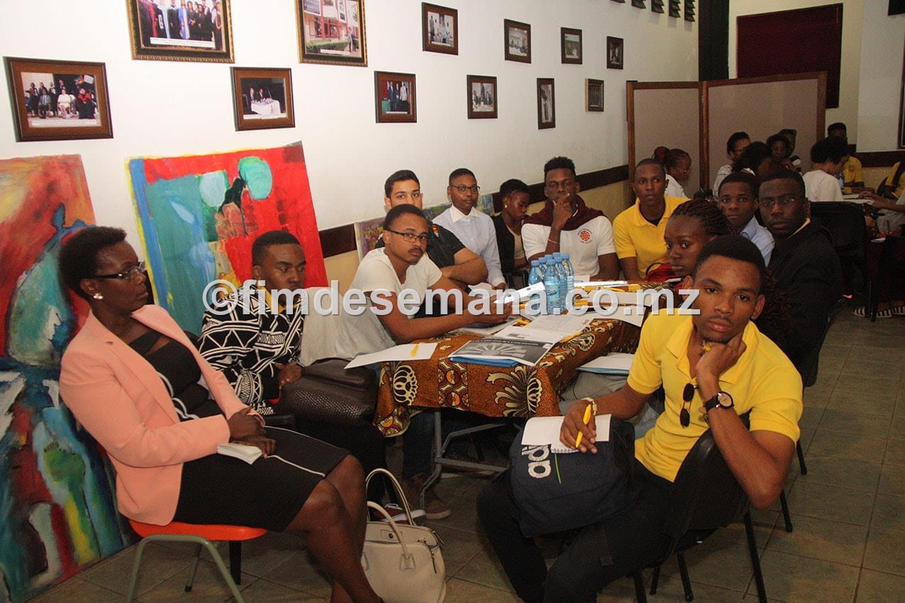 Participantes no Workshop interactivo sobre a situaçao das mulheres no mercado de trabalho